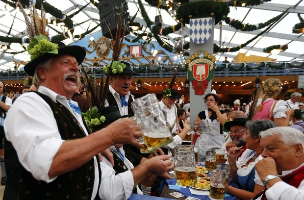 ALL HANS TO THE PUMPS – dig out your lederhosen for the Albert Square Bierfest