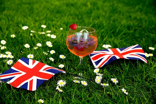 A real Royal Wedding Day Tonic – join the Gin Society's Bolton jollies