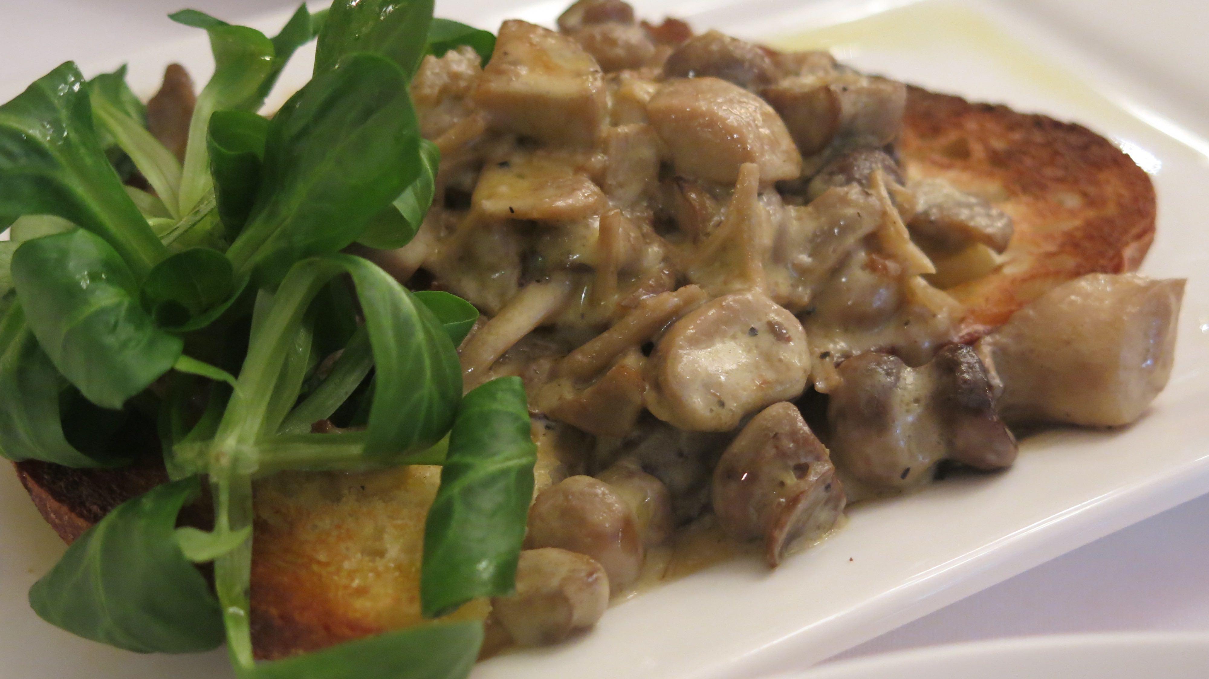 Mushrooms On Toast Recipe — Dishmaps